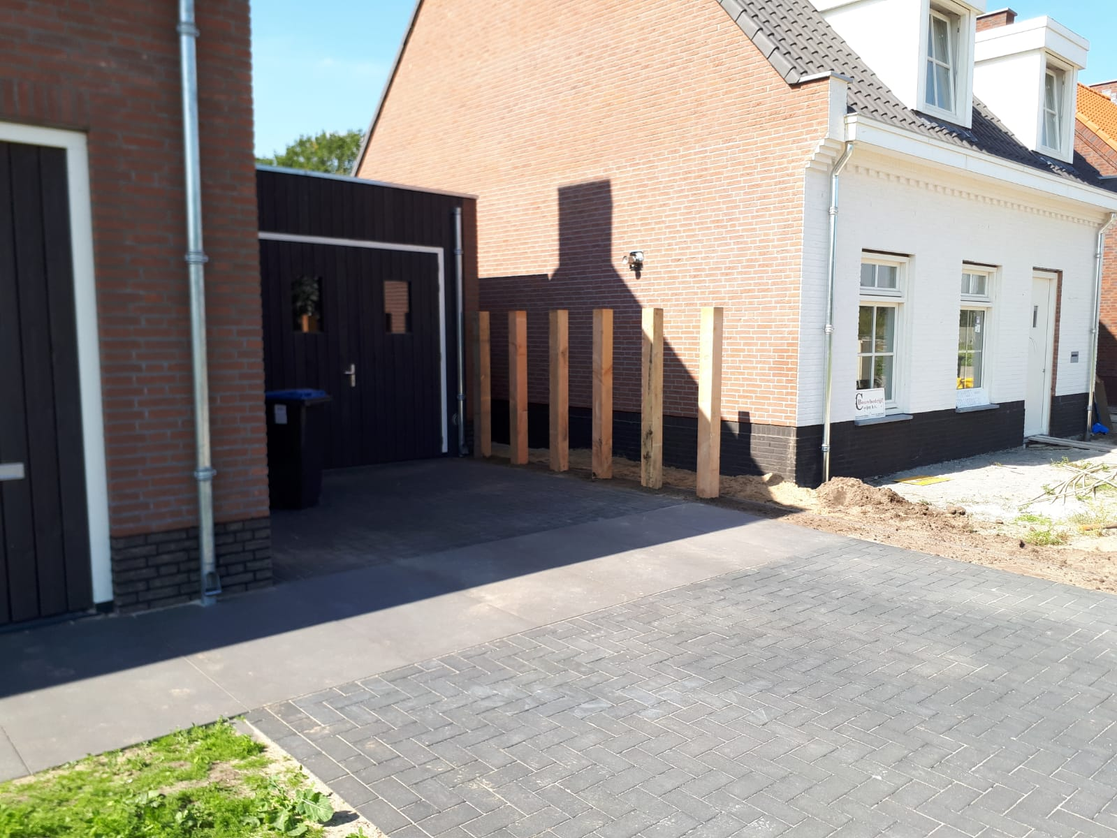 Bestrating Inclusief Leggen.Bestrating Leggen Nieuwbouw Woning Bestrating Leggen Nieuwbouw