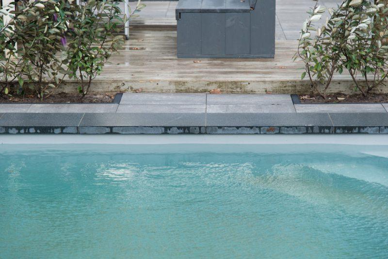 Zwembad bestrating vervangen Nuenen
